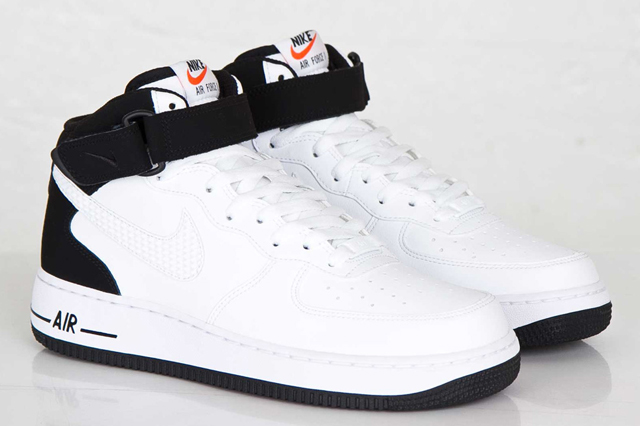 Nike-Air-Force-Mid-White-Black-White