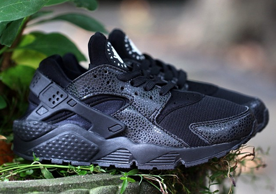 "Nike Air Huarache ""Black Safari"""