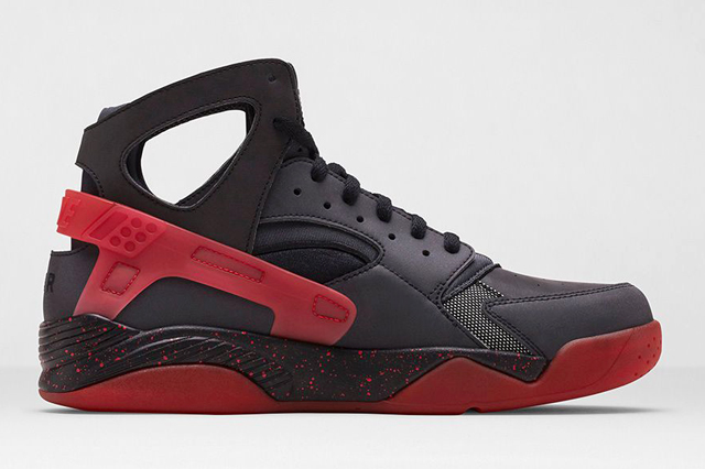 Wholesale Cheap NIKE AIR HUARACHE FLIGHT BLACK CHALLENGE RED From China