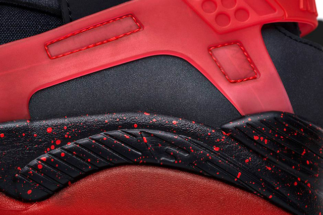 Cheap NIKE AIR HUARACHE FLIGHT BLACK CHALLENGE RED From China