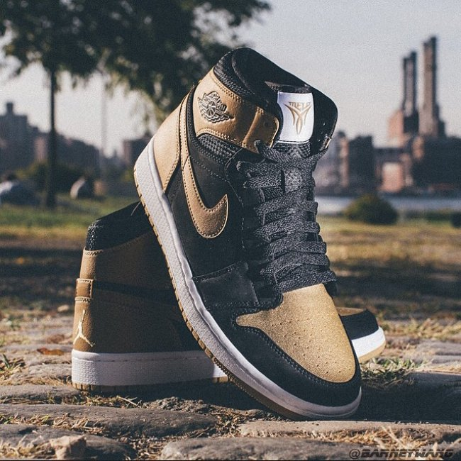 Air Jordan 1 Black Gold / Carmelo Anthony PE