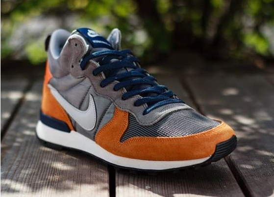 Nike Internationalist Mid For China
