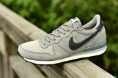 Nike Internationalist Leather Low Grey Black